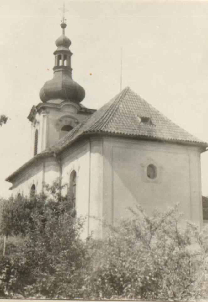 Kostel svatého Klimenta v Chlumčanech u Loun roku 1776 vystavěl Martin Prusík z Plas