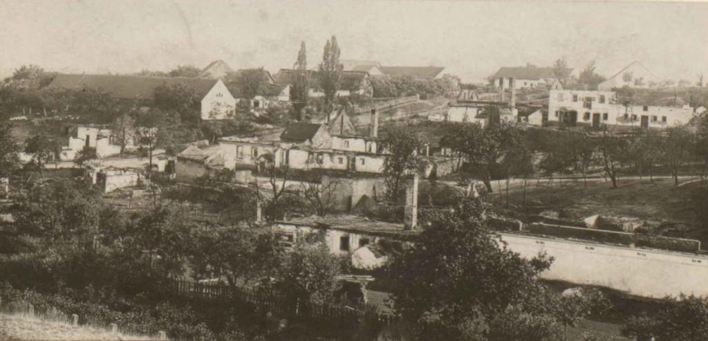 Pohled na Výrov po požáru v roce 1911.